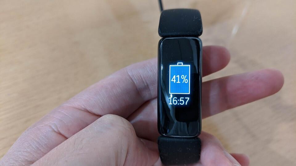 fitbit inspire2のバッテリー性能レビュー 30分充電後